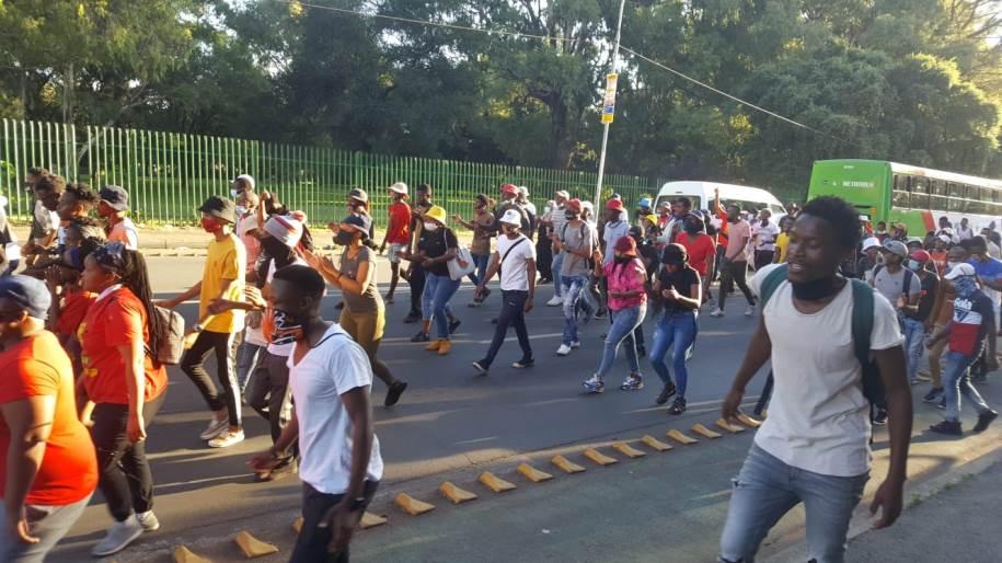 EFF Pupil Command shuts down retailers in Joburg CBD – SABC Information